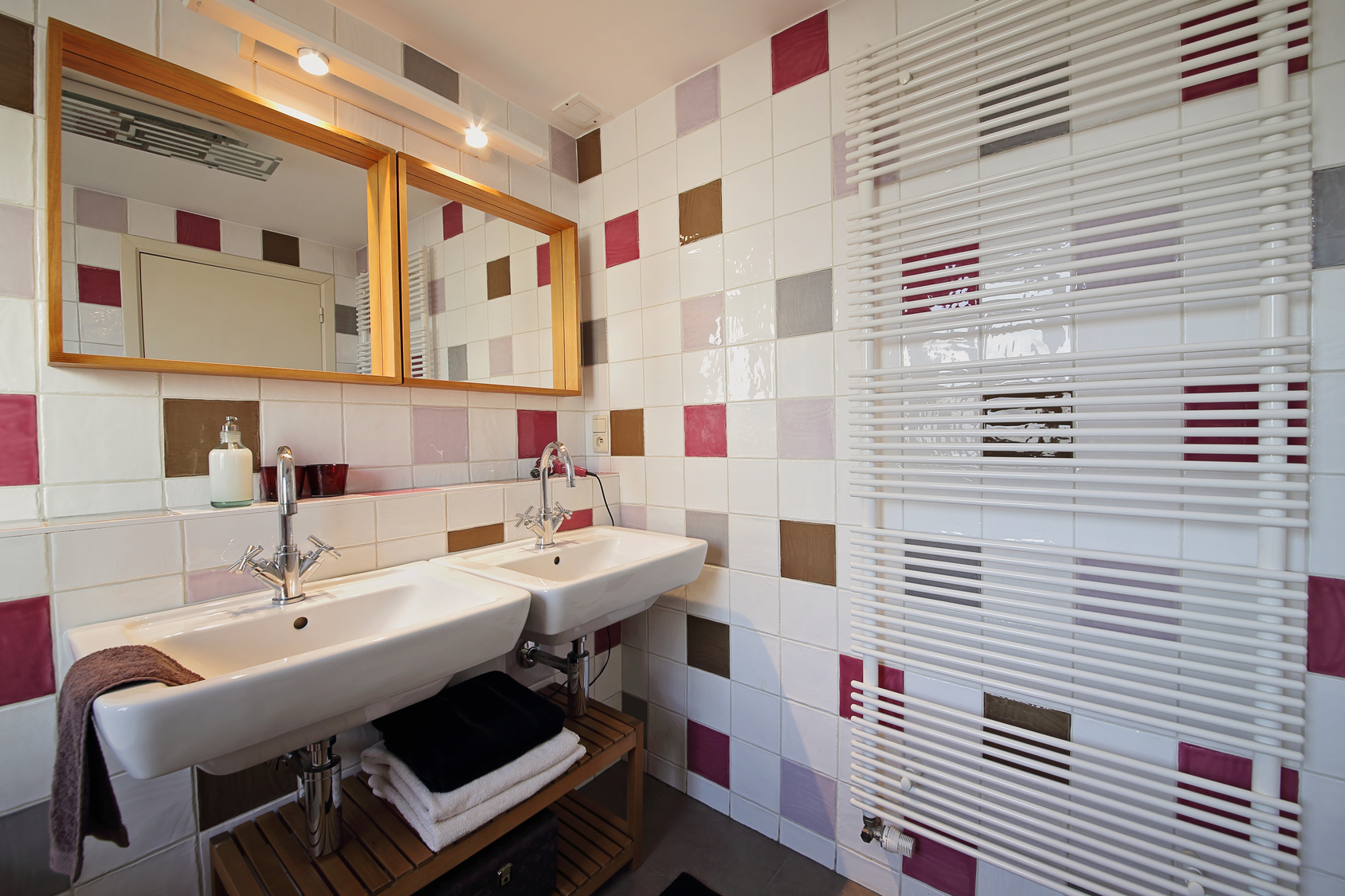carrelage mural pour salle de bain choisir celui qui
