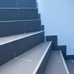 Marches d'escalier carrelage.