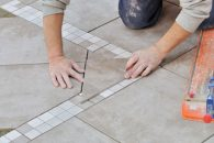 Travaux au black : pose carrelage