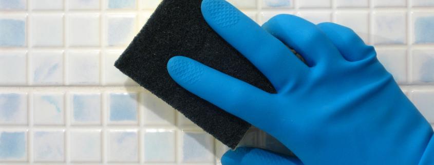 Nettoyage carrelage avec du vinaigre