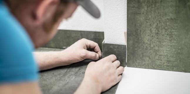 Que choisir entre la plinthe de carrelage et la plinthe en bois ?